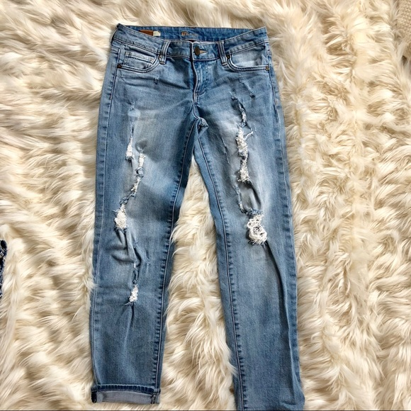 Kut from the Kloth Denim - Kut Catherine mid rise  boyfriend stretch jeans